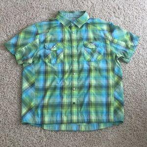 Mountain Hardwear Causal Button Down Shirt